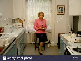 margaret thatcher in 10 downing stock photos u0026 margaret thatcher