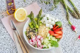 assiette de cuisine assiette complète veggie aux asperges et boulgour cuisine addict