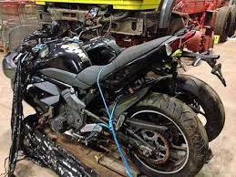 auto mit ladefläche brandenburg sechs motorräder und drei autos auf ladefläche