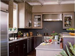 cuisine blanche et mur gris cuisine avec mur noir