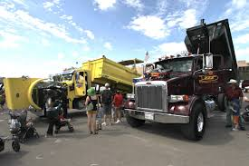 construction vehicles touch a truck 2017