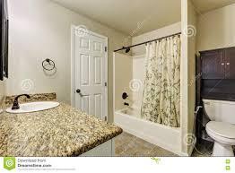 interieur salle de bain moderne toilette dans la petite salle de bains moderne photos u2013 46