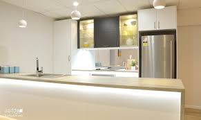 cuisine fonctionnelle petit espace amenagement cuisine avec gélule curcuma bio beau cuisine