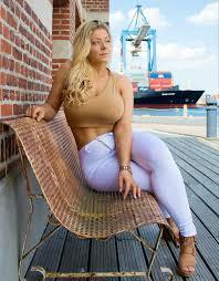 Mia Bad Girls Mia Sand Mia Sand Pinterest Curvy Fit Curves And Women