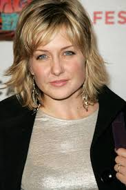 amy carlson hairstyles on blue bloods amy carlson photos 11 superiorpics com