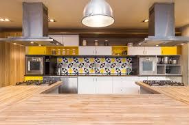 cuisine atelier d artiste un atelier de cuisine aménagé dans un ancien atelier d artiste au