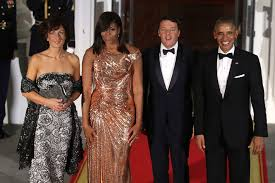 michelle obama shimmers in versace for final state dinner