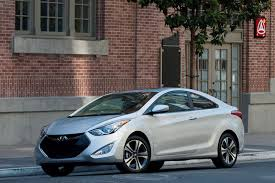 2013 hyundai elantra coupe se 2013 hyundai elantra coupe pricing and specifications cleanmpg