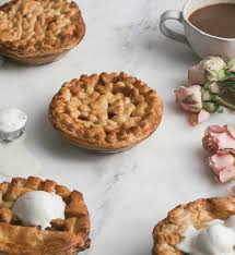 10 pies to make this thanksgiving a cozy kitchen