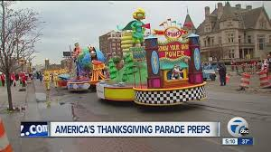 road closures parking and more for america s thanksgiving day