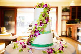 Tropical Themed Wedding Cakes - hawaii the destination wedding blog jet fete by bridal bar