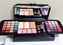 victoria secret makeup kit vs ultimate s essential makeup kit must have looks at low s in india amazon in