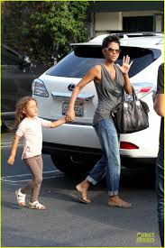 halle berry halloween decorations shopping with nahla photo