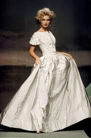 vivienne westwood wedding dress les robes mythiques de la haute couture vivienne westwood
