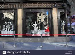 saks fifth avenue thanksgiving sale windows of saks fifth avenue department store decorated for