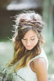 Halb Hochsteckfrisurenen Mittellange Haare by Brautfrisur Halboffen Kommen Sie Mit Stil Unter Die Haube