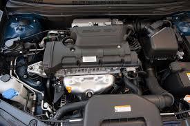 2005 hyundai elantra review 2010 hyundai elantra overview cars com