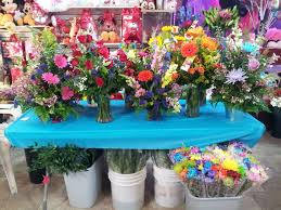 flowers and balloons jesses flowers balloons gifts 40 photos florists 2459 s