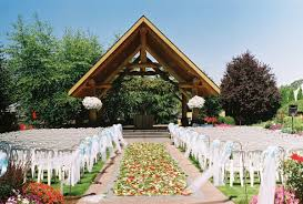 outdoor wedding reception venues log house garden outdoor wedding venue pictures