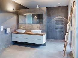 moderne badezimmer mit dusche und badewanne die besten 25 gemauerte dusche ideen auf ablage