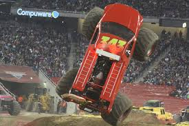 to run like the best monster truck freestyle