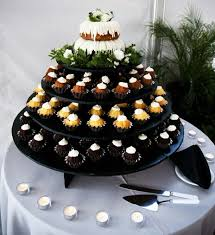nothing bundt cake as a wedding cake weddingbee