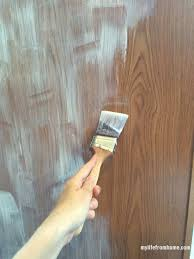 Paint To Use For Kitchen Cabinets Use A Bonding Primer Before Painting Cabinets Diy Kitchen