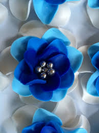 edible blue flowers fondant flowers 12pcs 2 edible flowers ivory royal blue