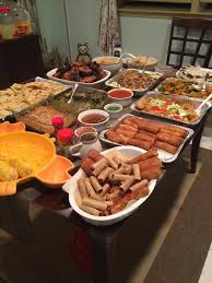 went to a filipino birthday lunch and was blown away by the spread