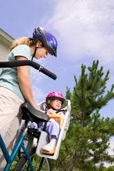 siege bébé velo porte bebe vélo les critères de choix pour un porte bébé de vélo