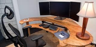 pc bureau avec ecran un pc avec trois écrans pour quoi faire comment faire