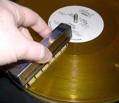 how to clean vinyl records get better sound discomusic