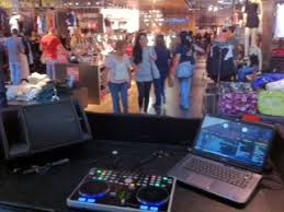 black friday guess retail store dj u2013 black friday g by guess a1a djs south