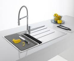 catalogo franke lavelli spazio agli accessori in cucina il nuovo lavello di franke