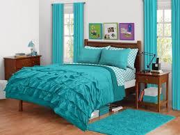 aqua ruffle comforter ruffled comforter ile ilgili pinterest teki en iyi 25 den fazla fikir