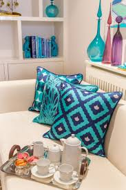 Wohnzimmer Orange Blau Kissen In Türkis Fürs Wohnzimmer 25 Tolle Dekoideen