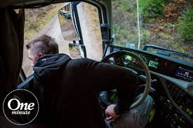 volvo trucks germany volvo trucks one minute about volvo dynamic steering youtube