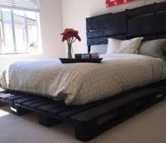 How To Make A Platform Bed Frame With Pallets by Diy Pallet Wood Platform Bed With Wheels Pallet Furniture Plans