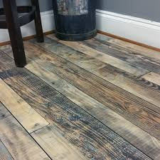 How To Snap Together Laminate Flooring How To Install Snap Together Laminate Flooring How Tos Diy