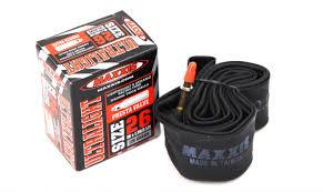 chambre à air vtt chambre à air maxxis ultralight 0 6mm pneus vtt pneus vélo
