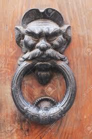 creepy door knocker u0026 an antique door knocker дверные ручки