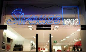 Tiffany Bad Homburg Angeschlagene Kette Strauss Innovation Startet Ausverkauf