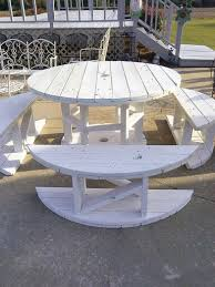 Build A Picnic Table Out Of Pallets by Make Tables And Benches Out Of Spools Repurpose Pinterest