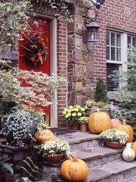 Outdoor Fall Decor Ideas - northern nesting outdoor fall decorating ideas courtesy of bhg