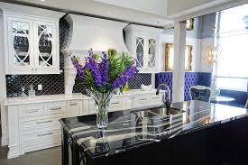 salle de montre cuisine cuisines classiques armoires de cuisine laval macucina