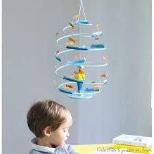 plafond chambre bébé mobiles de décoration les spirales signées l oiseau bateau déco