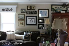My Family Room Gallery Wall Daisymaebelle Daisymaebelle - Family room walls