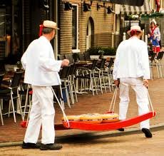 cheese delivery around the hoorn on a visit by avalon vista the cruisington times