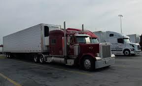 peterbilt and kenworth file bakersfield ca truck peterbilt 2 at flying j travel