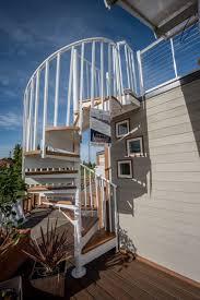 revolving tiny house automatically rotates to follow the sun